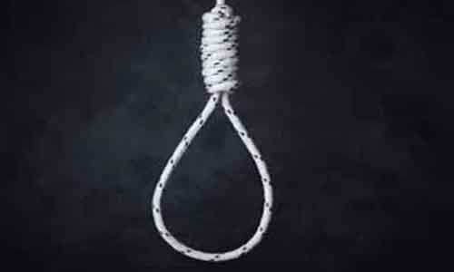 28-year-old female doctor commits suicide by hanging self
