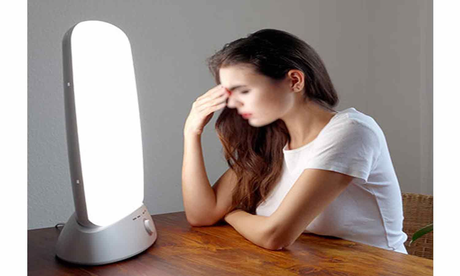 Light therapy may help elevate mood in people with a concussion