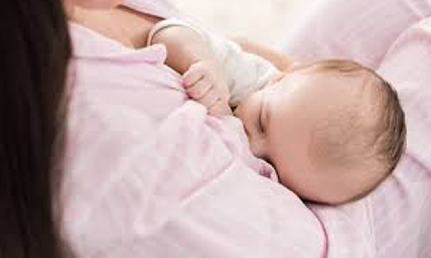 Breastfeeding protects infants  against human viruses even when    mixed with formula