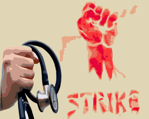Medicos at Mettupalayam Govt Hospital on flash strike after Nurse, Doctor beaten up