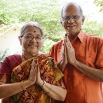 image source : http://covaipune.com/wp-content/uploads/2013/11/Couple-Doing-Swagatham.jpg