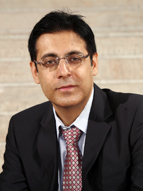 Cipla ropes in Dr Reddy's Umang Vohra as Global CFO