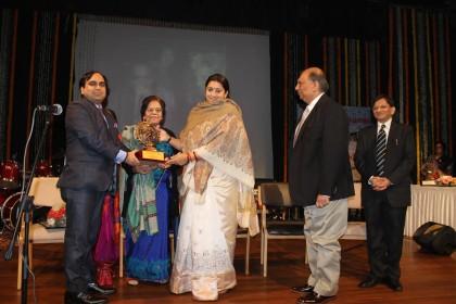 Dr Bipin Batra conferred  TPJ National Excellence Award