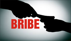 Shame: Medical officer caught taking Rs 20,000 bribe in Indore