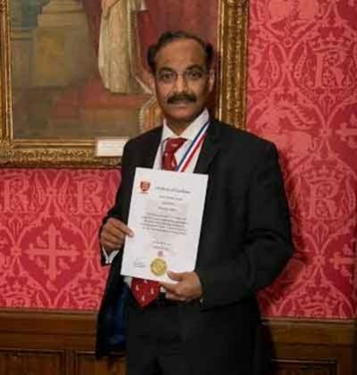 Dr A A Shetty receives Outstanding Clinical Excellence Award at House of Lords