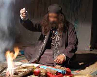 Bizzarre: Tantric comes and performs rituals in  ICU, Hospital orders probe