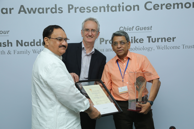 Prof Dr D Dash awarded Sun Pharma Research award