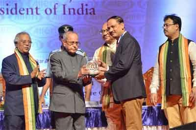President confers Homeopathy awards