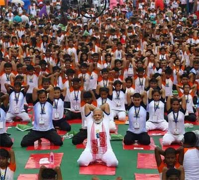 Nearly 3 lakh perform yoga at one place, set world record
