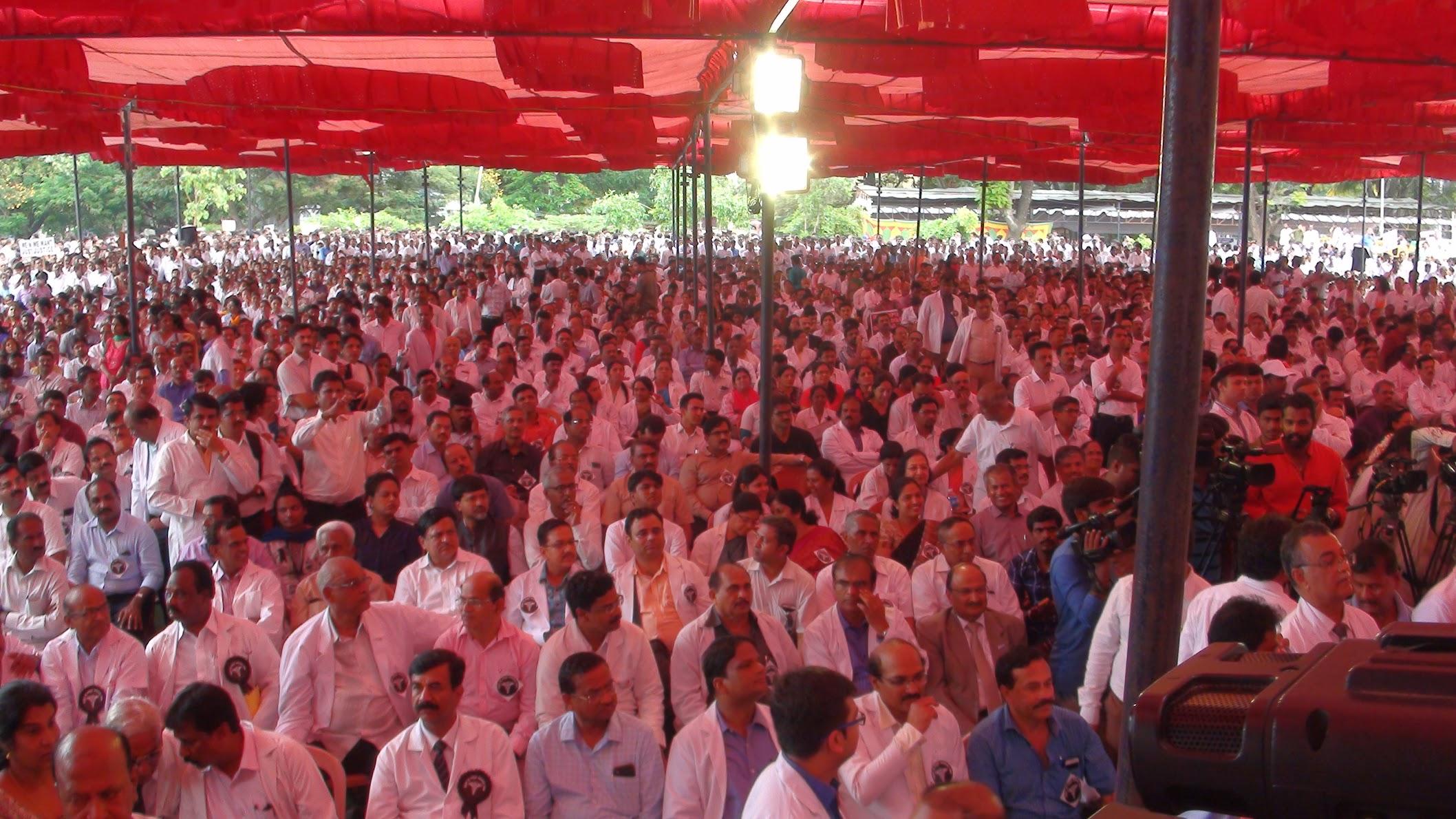 Hospitals shut, Doctors on Street against Karnataka Private Establishment Bill