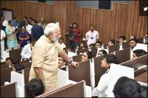Doctors should work for free on the ninth day of every month : PM Modi