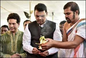 Sachin Tendulkar, Devendra Fadnavis lay foundation stone of child health centre