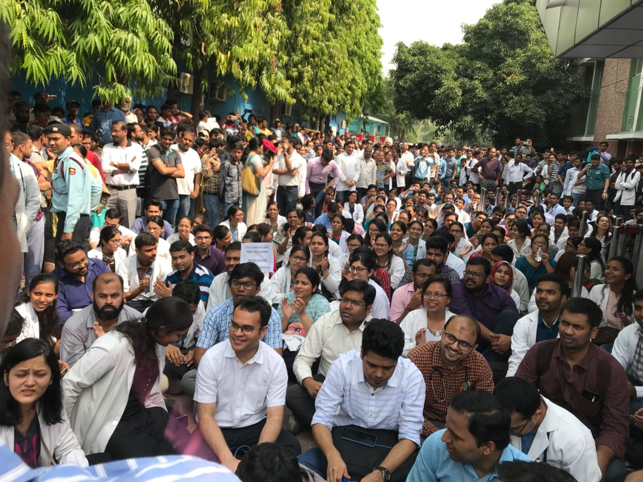1500 AIIMS resident doctors on strike after colleague slapped by senior Professor