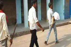 UP man carries sons body in arms after hospital denies vehicle