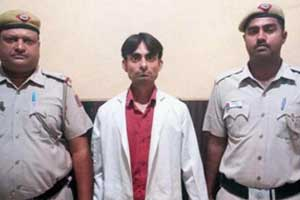 Bogus White Coat- Man posing as doctor at AIIMS New Delhi arrested
