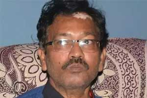 Work Pressure : Dy Chief Medical officer Gonda found hanging by tree