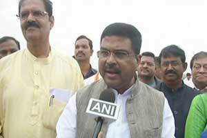 Odisha: Pradhan asks CM to implement Ayushman Bharat scheme