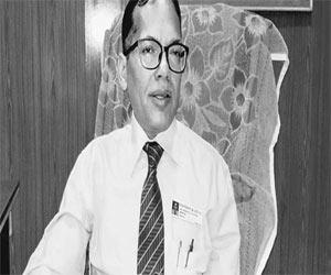 Odisha: Former VIMSAR Director joins politics