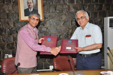 AYUSH Ministry, CSIR sign MOU for Research, Education in integration of ISM with Modern Medicine