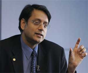 Surgeon's Memoir, 'Story of My Scalpel' launched by Shashi Tharoor