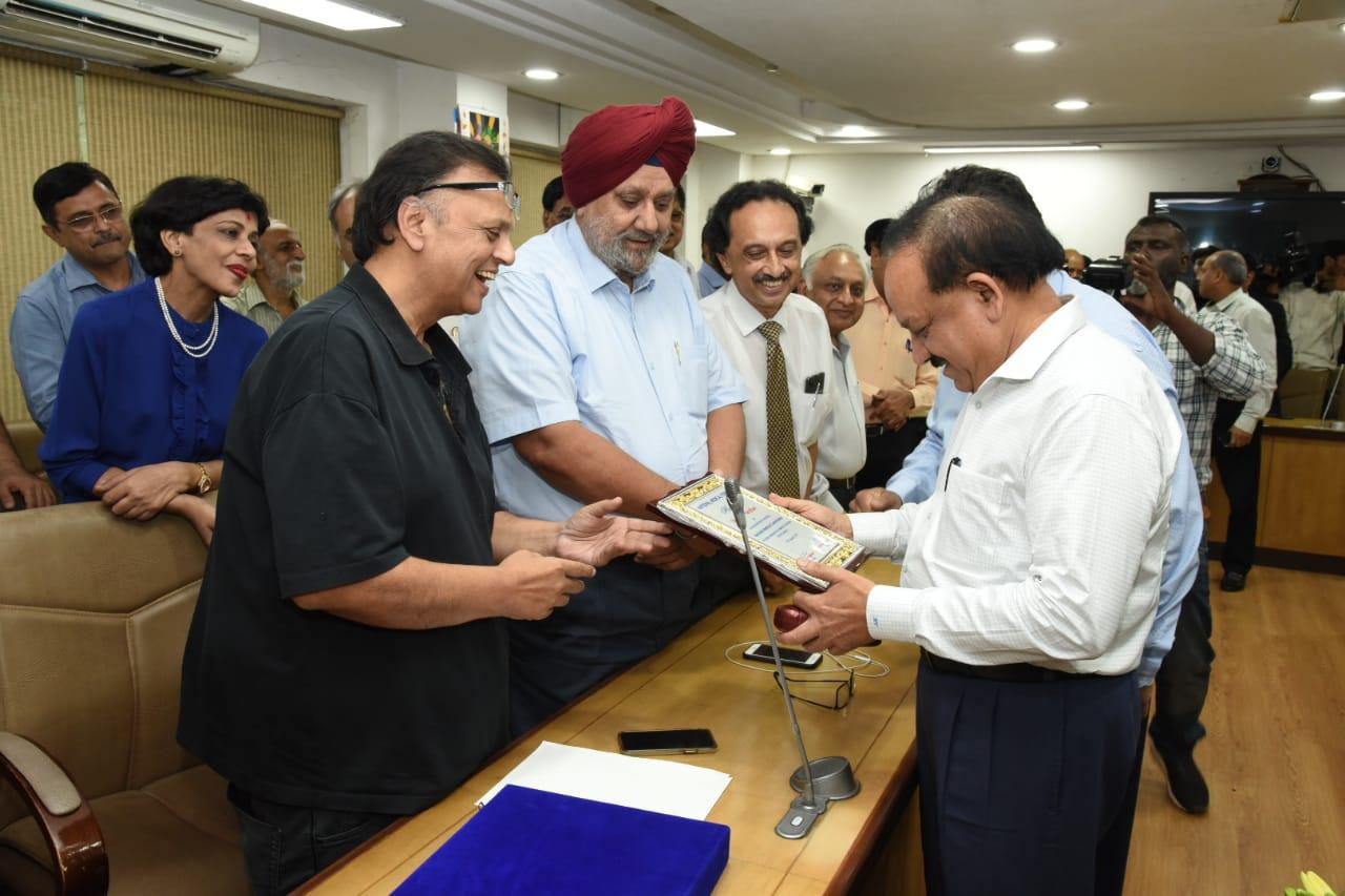 Dr prem Aggarwal with Dr Harsh Vardhan