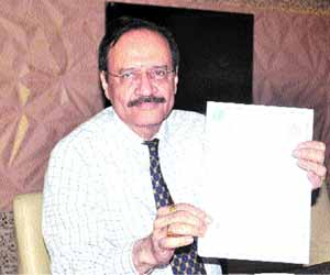 Madhya Pradesh: Inventor Cardiologist bags patent for suicide preventing ceiling fan