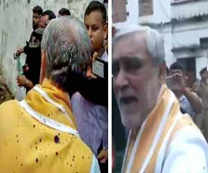 Health Minister becomes victim to Ink Attack outside Patna Hospital