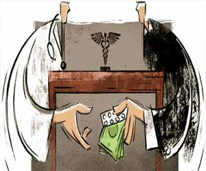 Odisha: Female govt doctor accused of calling patient at home, taking Rs 2700 bribe for treatment